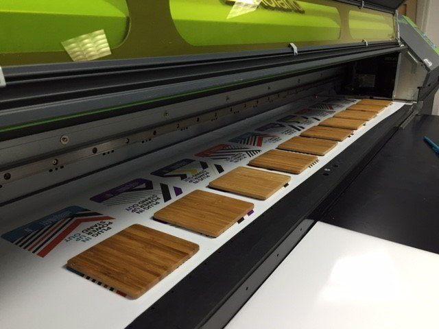 impresora-uv-de-cama-plana-para-rigidos (1).jpg